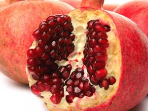 This Christmas, Hannukah, New Years – Try a Pomegranate!